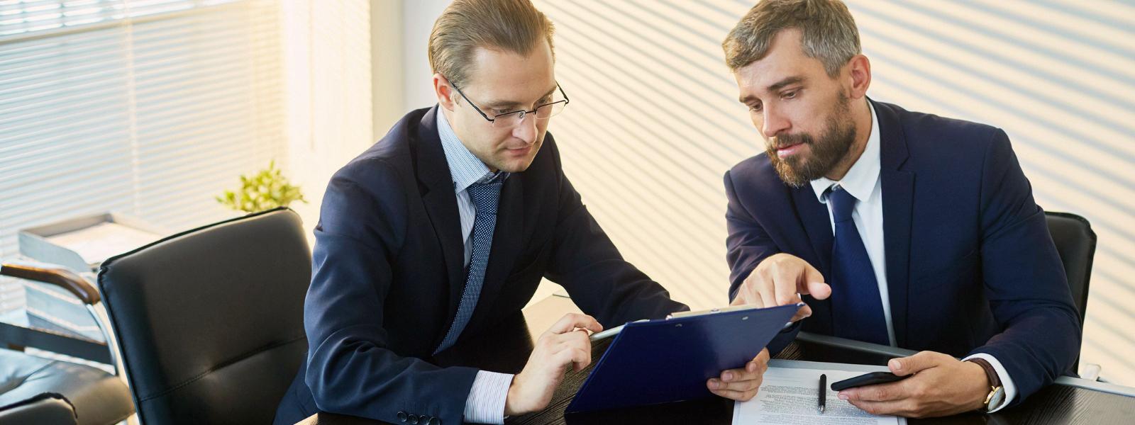 reviewing payroll software